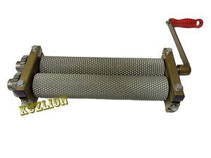 SALE-Bienenwachs-Stiftung-Muehle-Walzen-Metalltraeger-Produktion-Bee-Wax-Ausruestung