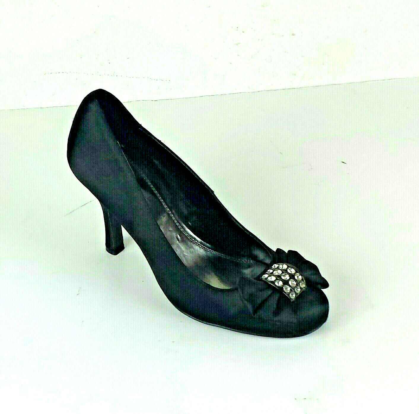 Pulse Womens shoes Sz 9 9 9 Fits Up to 9.5 Black Satin Jeweled Bow Round 3.75in Heel e258fd