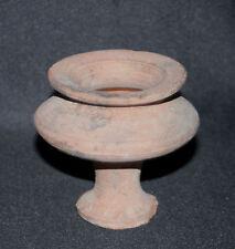 ancien petit pot à pied d'ouche gallo-romain Jura archéologie I er III ème