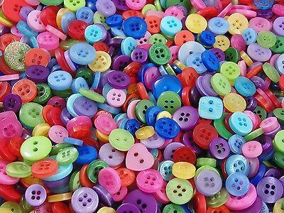 ☆☆ 100 x Small Mixed Buttons   Bulk/Job Lot/Scrapbooking/Card Making/Crafting ☆☆