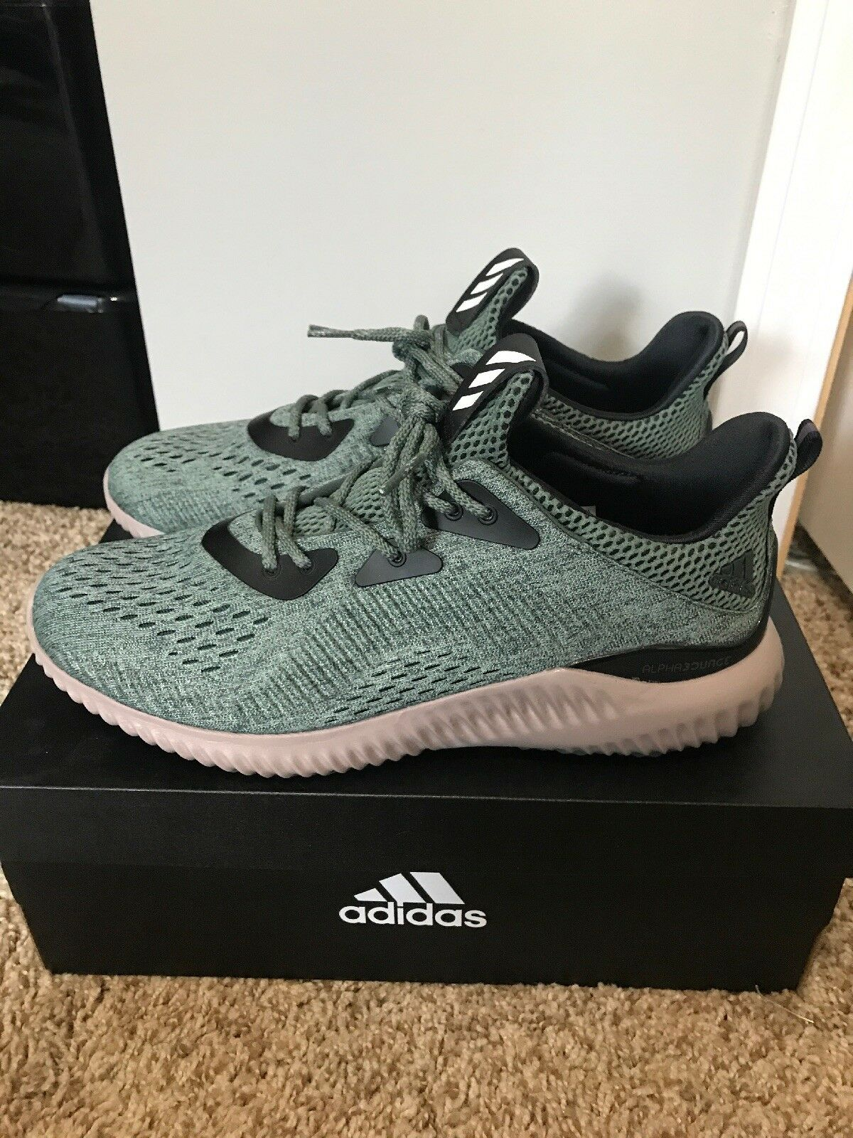 NEW Adidas Alphabounce Running shoes Men's 8.5 with original box Ultraboost NMD