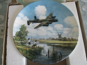 LANCASTER-OVERHEAD-MADE-BY-ROYAL-DOULTON-HEROES-OF-THE-SKY-SERIES-MICHAEL-TURNER