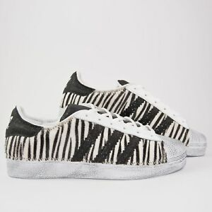 timeless design cad4c 6aac1 scarpe adidas superstar zebrate