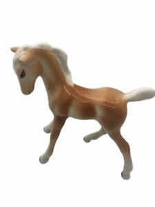 Porcelain-Tan-And-White-Foal-Colt-Horse-Figurine-4-High