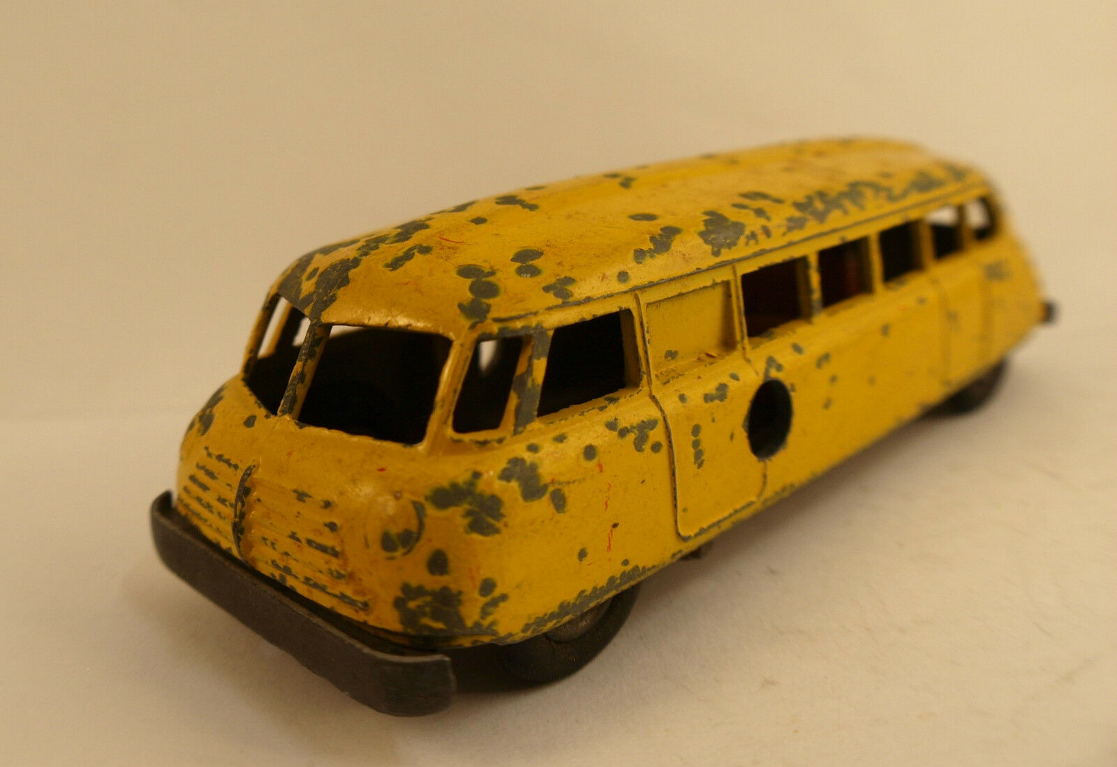 Solido Removible Bus Autobús Raro 12 CM