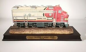 Santa-Fe-Super-Chief-Limited-Edition-Locomotive-Statue-Trains-Gone-By-GanZ