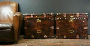 Finest-English-Matching-Pair-of-Leather-Handmade-Side-Table-Trunks-ZA07