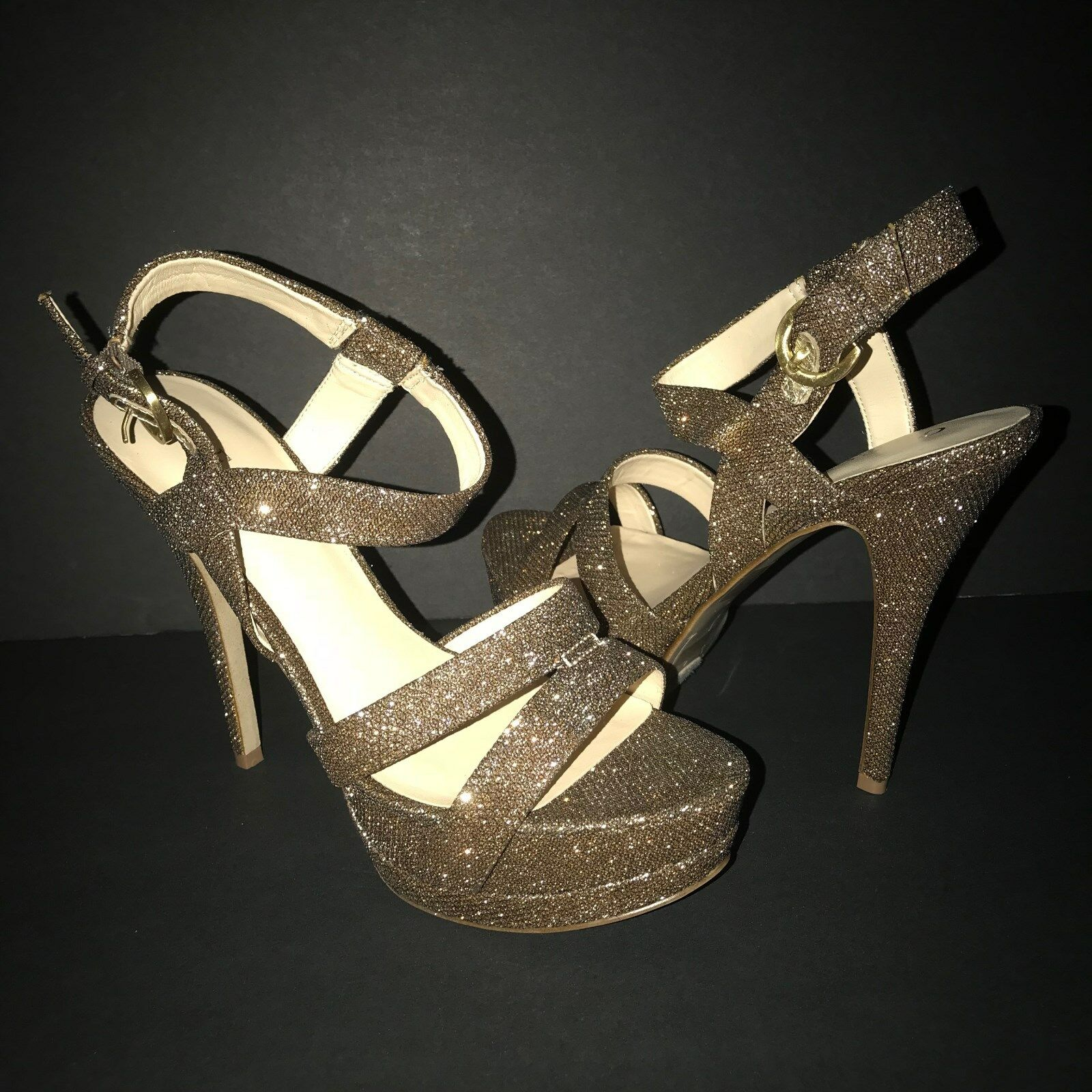 NEW with Box GUESS Glitter Pumps, Gold fabric, size 7