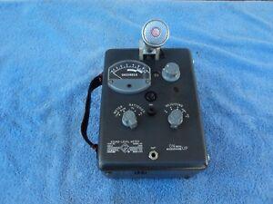 GENERAL-RADIO-1551-C-DECIBEL-LEVEL-METER-WITH-SHURE-98108-HARP-MICROPHONE-ON-IT