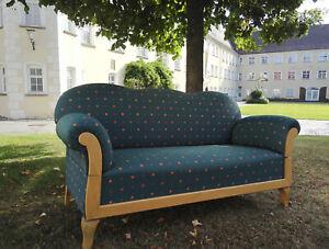 altes-Sofa-restauriert-und-neu-aufgepolstert