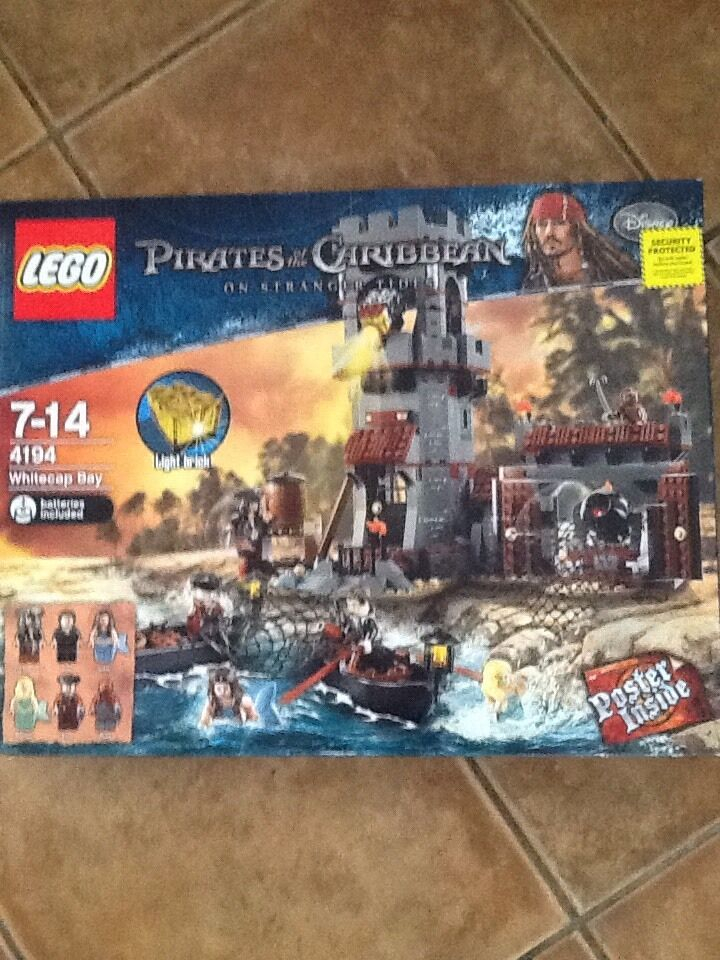 LEGO PIRATES OF THE CARIBBEAN Whitecap Bay Set NEW IN BOX