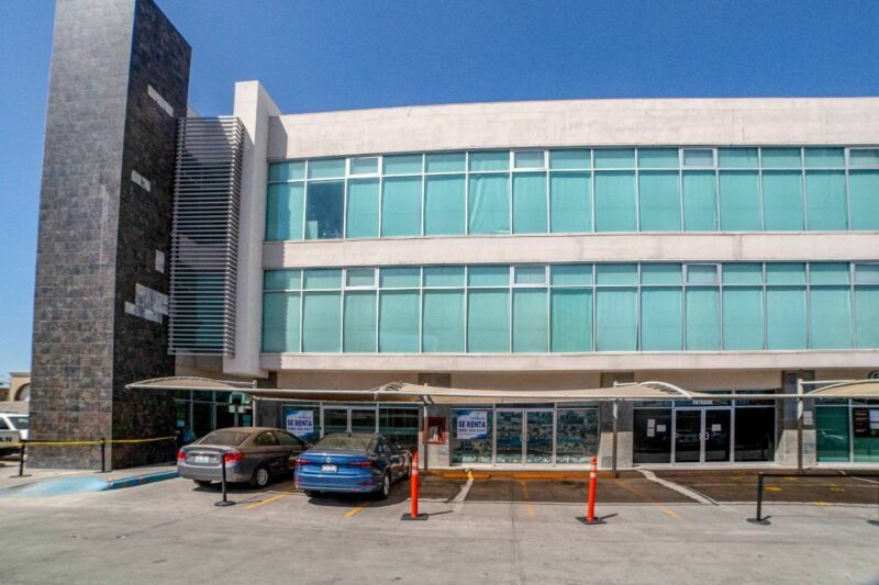 Local Comercial Corporativo ISSA Centro Cívico Mexicali - Local 2