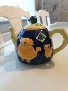 Rayware-Cat-And-Mouse-Tea-Pot-decorative-3D-character