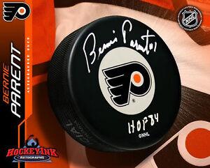 BERNIE-PARENT-Signed-Philadelphia-Flyers-Puck-w-Hall-of-Fame-Inscription