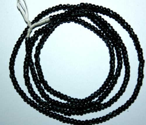 Strang noir blanc strié de perles de verre seed beads du Ghana Trade Beads 3 mm