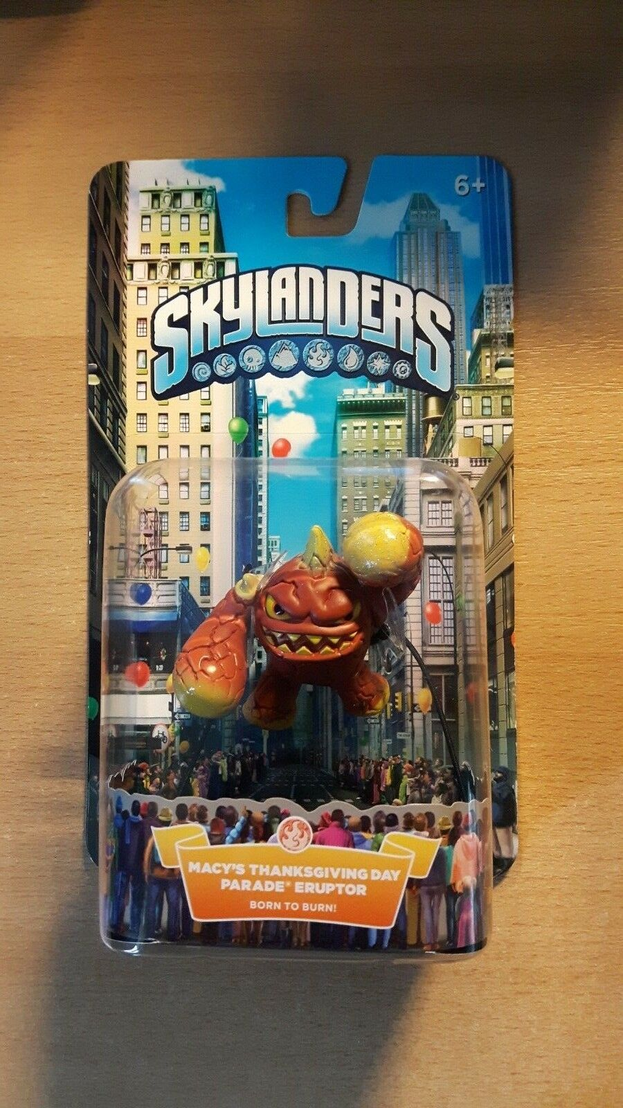 Skylanders Macy's Thanksgiving Day Day Day Parade Eruptor Born to Burn 297a84