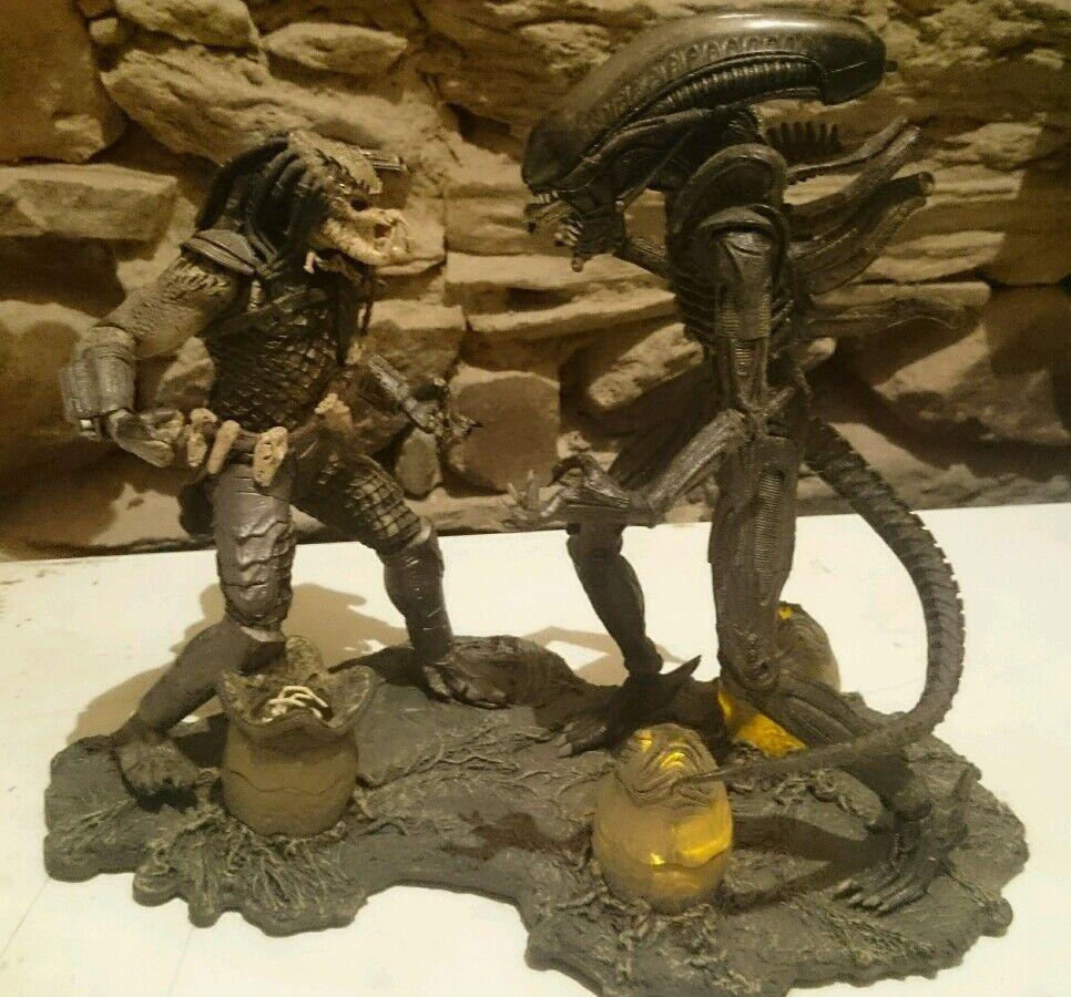 Alien VS Protator Diorama Figuras McFarlane Toys Con Luz Light