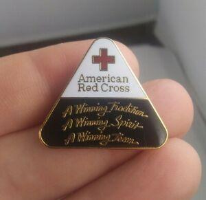Vintage-AMERICAN-RED-CROSS-24K-Gold-Plated-Volunteer-pin-pinback-button-EE91