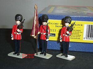 Britains 40113 Irish Guards Escort à la figurine de soldat en métal couleur ensemble 36881401131
