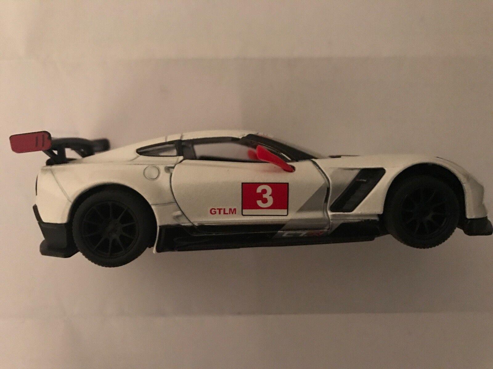 TOY    Diecast Car White Corvette 2018 Free Shipping a65ae5