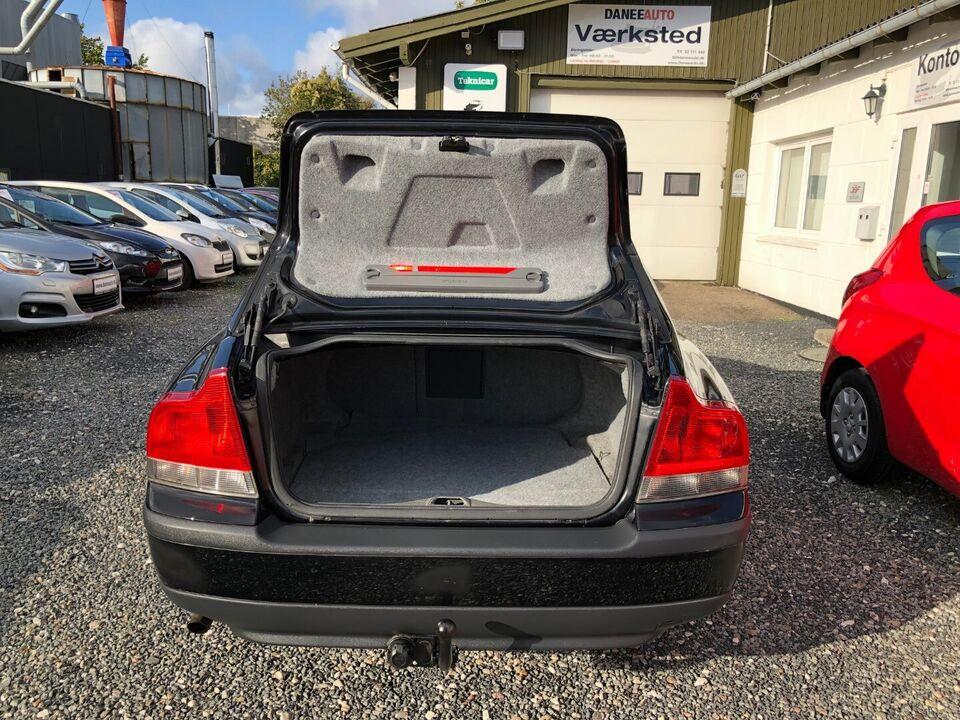 Volvo S60 2,4 Business Benzin modelår 2003 km 442000