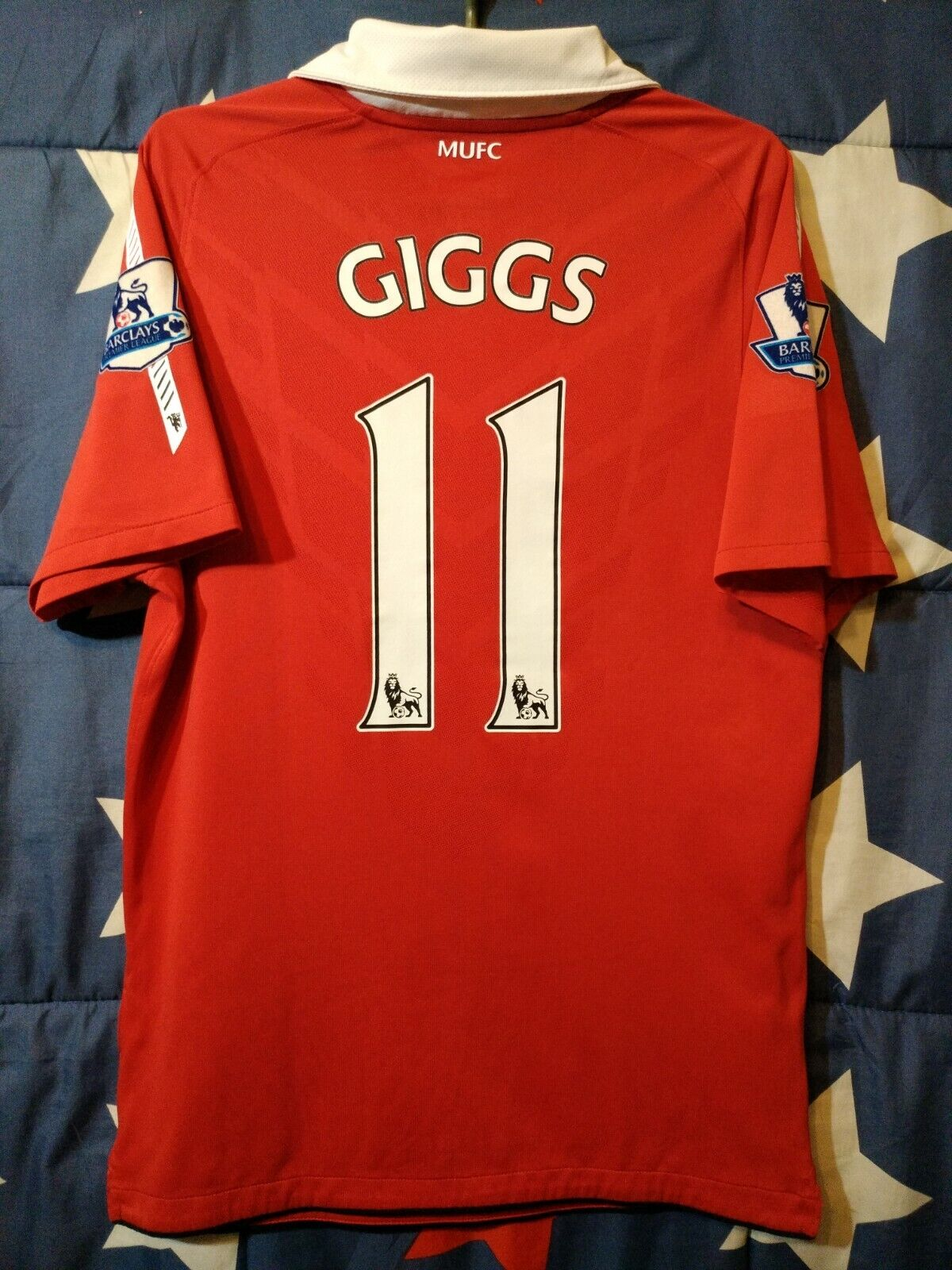 SIZE S MANCHESTER UNITED 2010-2011 HOME FOOTBALL SHIRT JERSEY GIGGS