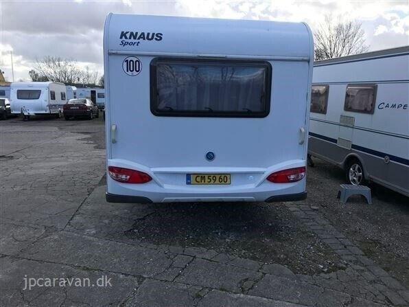 Knaus Sport 450 FU, 2011, kg egenvægt 980