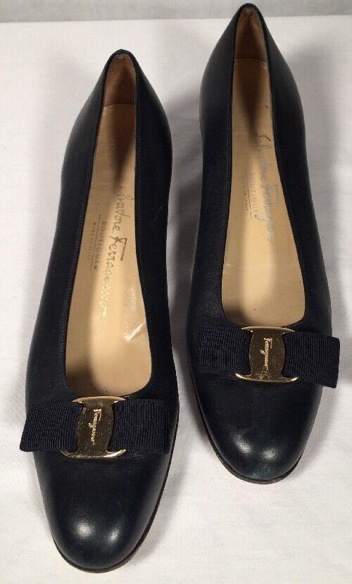 Vintage Salvatore Ferragamo  Leather Navy bluee Bow shoes 8 1 2 AAAA
