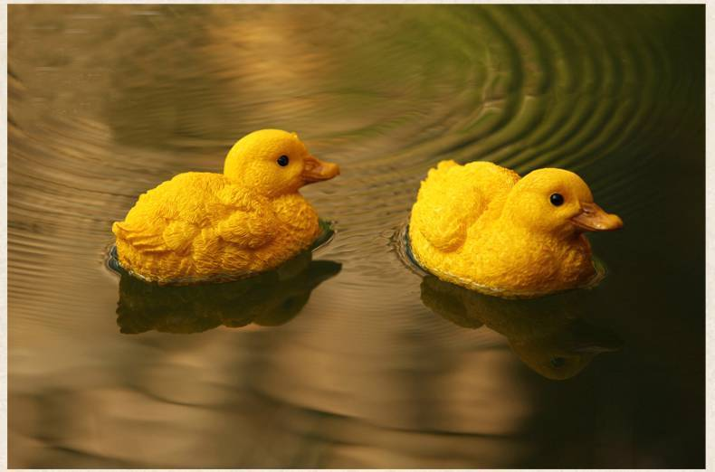Pair of Small Resin Floating Ducks Outdoor Yard Garden Fountain Pond ...