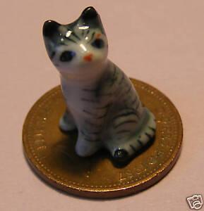 1:12 Scale Ceramic Dark Striped Kitten Cat Tumdee Dolls House Hawaii Ornament Ky