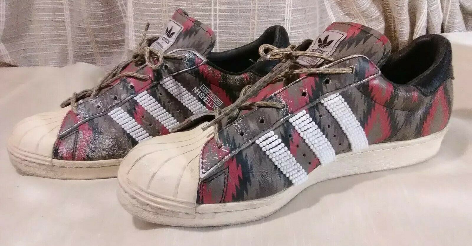 Adidas Originals Men's Neighborhood Shell-Toe shoes Size 10.5 us M25786 beaded