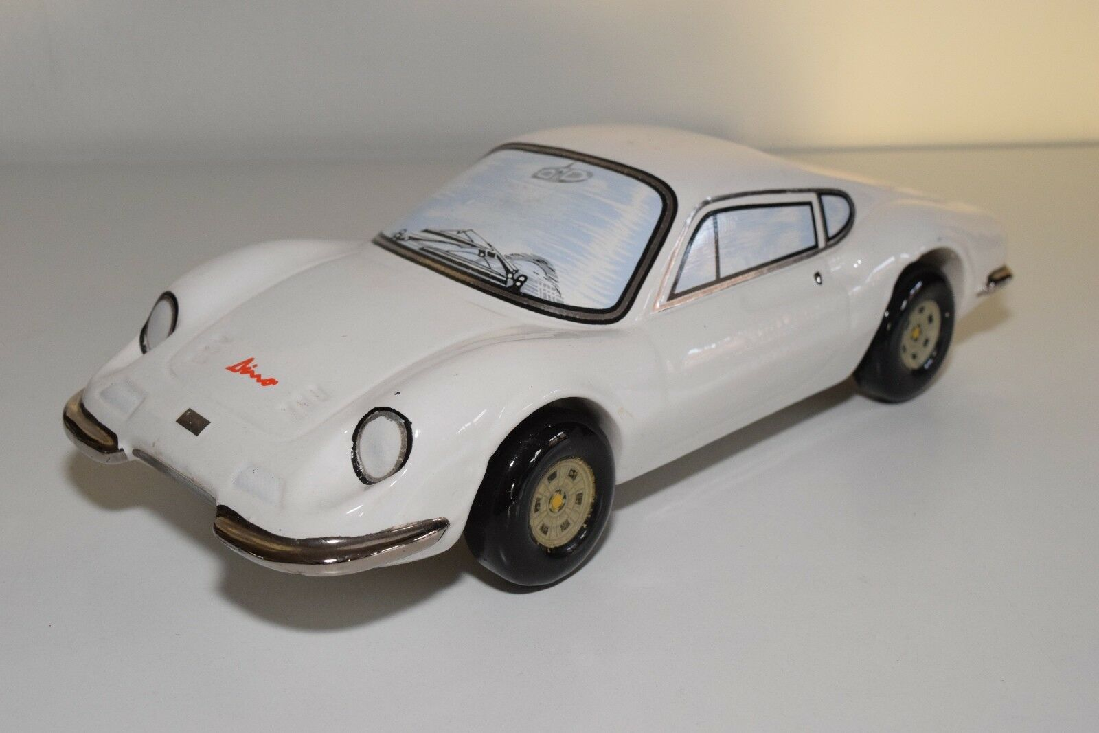 V +/-33CM FERRARI DINO 246 EMPTY BOTTLE DECANTER WHISKEY WHITE RARE ITALY 1975