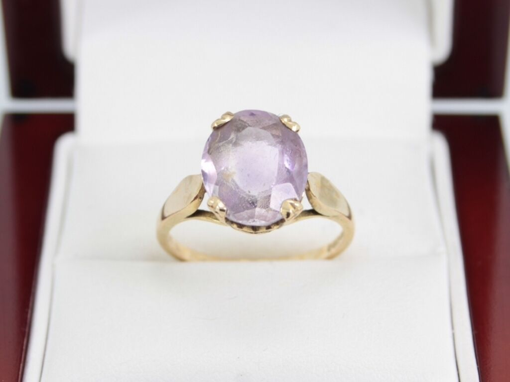Amethyst And 9ct gold Ring Ladies Stunning Single Stone Size O 1 2 375 A49