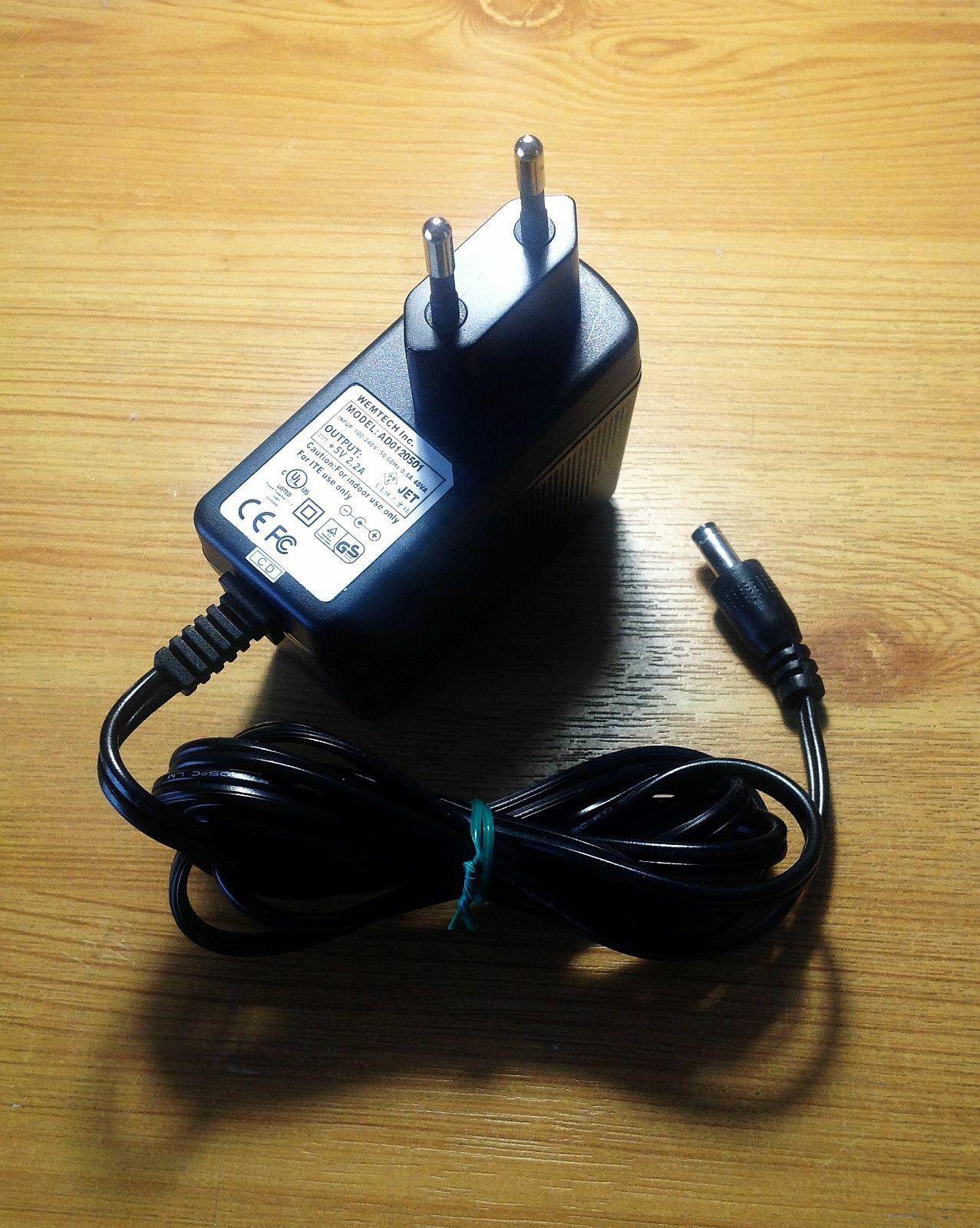 .. Vintage WEMTECH Inc. AD0120501 AC to 5VDC Adaptor, Euro 2 round pins mains pl