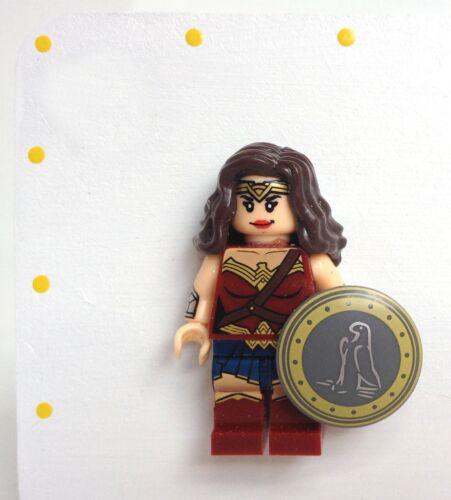 Personalised Wonder Woman Mothers Day Plaque Superhero Mini Figure