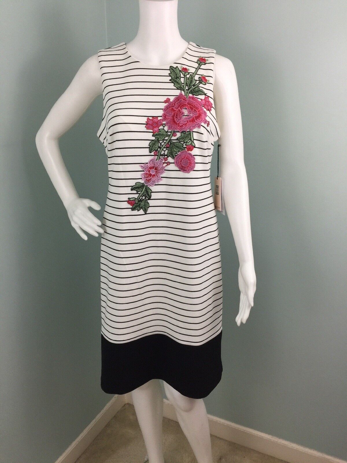 NWT Womens Ivanka Trump Sleeveless Striped Floral Appliqué Sheath Dress Sz 8