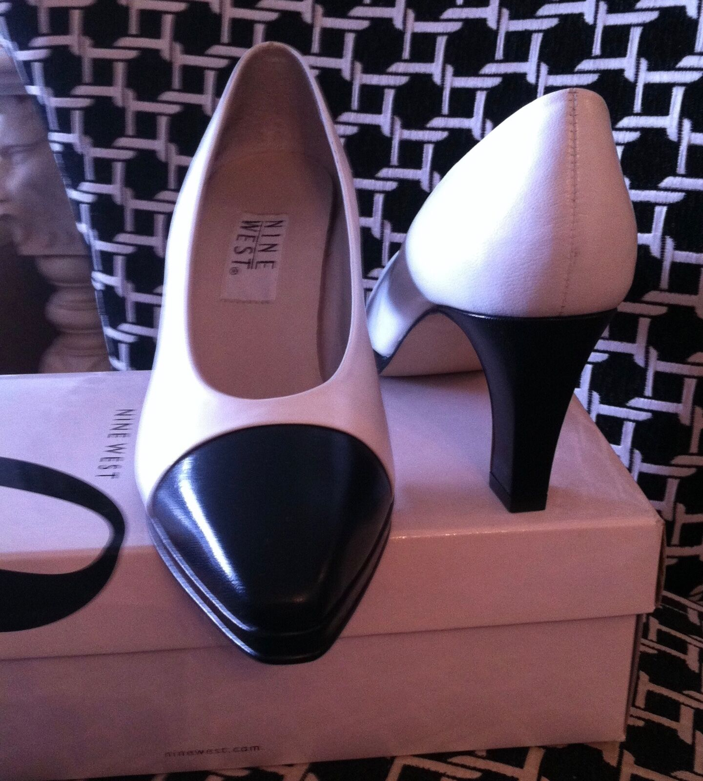 NINE NEW WEST Black White SHOES Leather Pumps Sz 8 NEW NINE in BOX 3