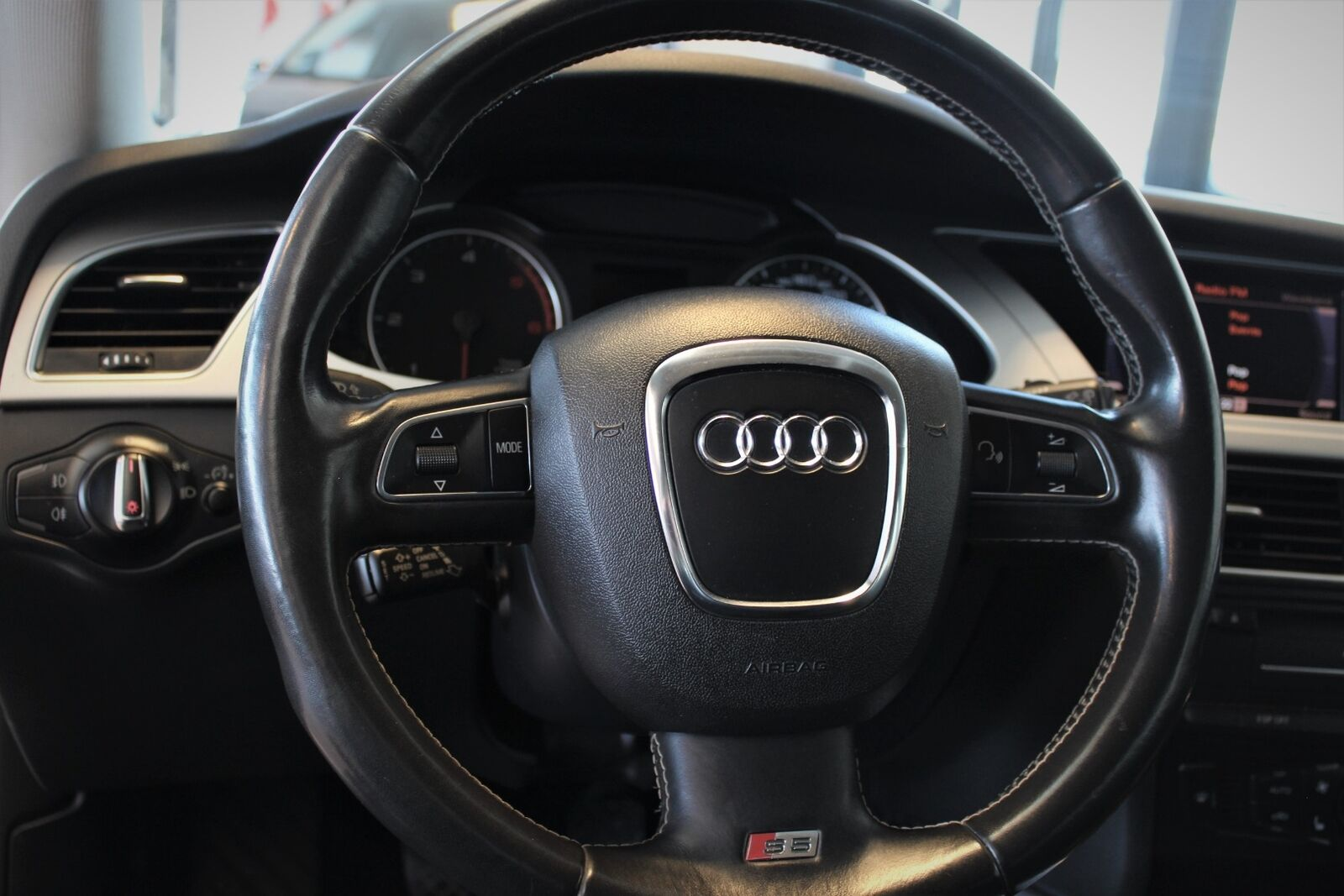 Audi A4 2,0 TDi 143 - billede 8