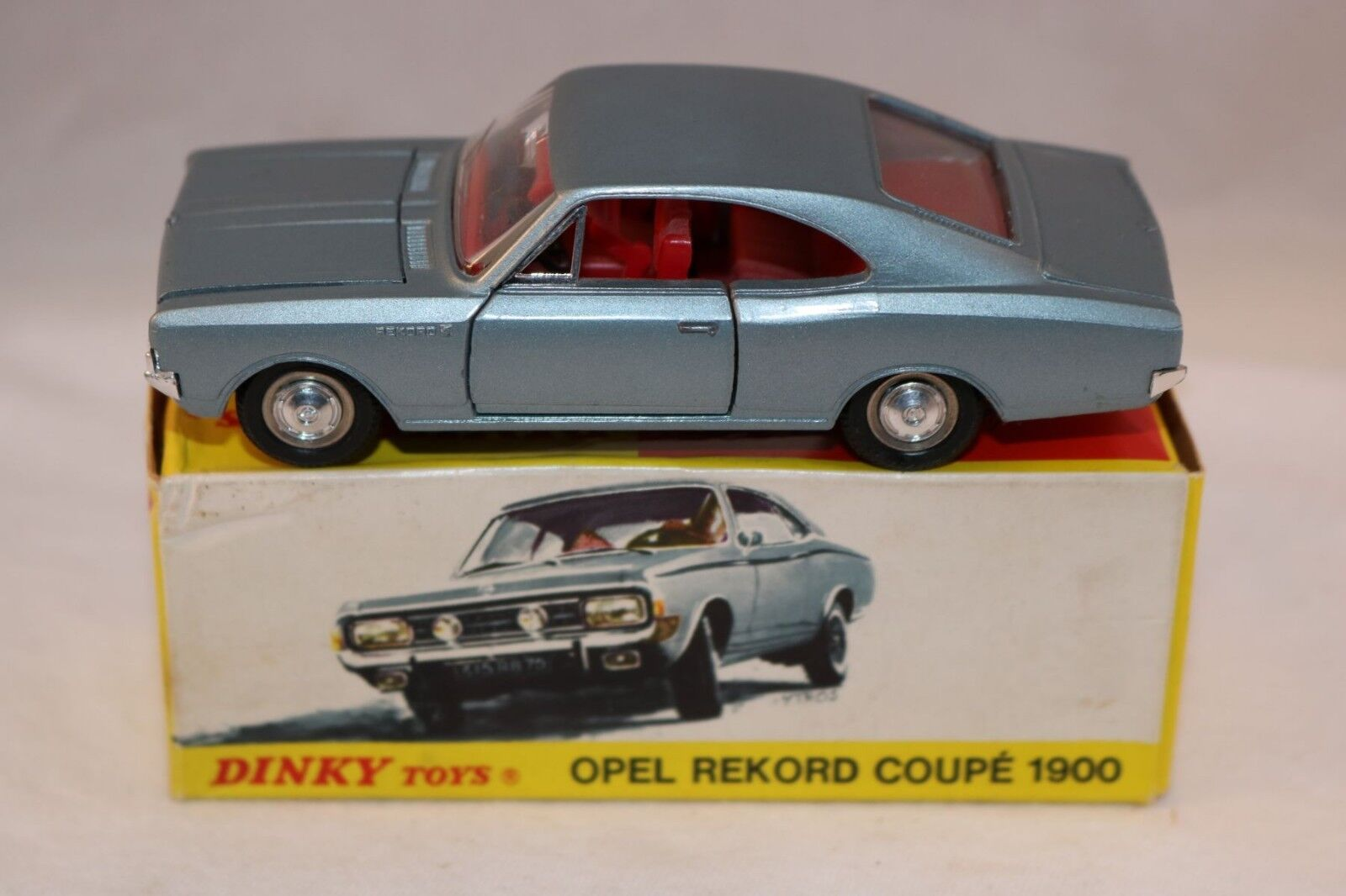 Dinky Toys 1405  D Opel Rekord Coupe 1900 VERY RARE GERhomme EXPORT ISSUE VNMIB  bienvenue à l'ordre