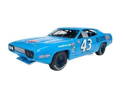 1 18 ertl autoworld 1972 Plymouth  Roadcourirner Richard Petty  43  10 jours de retour