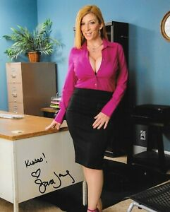 Sara Jay & Bruce Venture in Seduced by a Cougar - HdZog ...