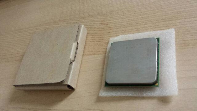 Processeur CPU AMD Phenom II X6 1055 2,8GHz Socket AM3 avec pâte thermique.