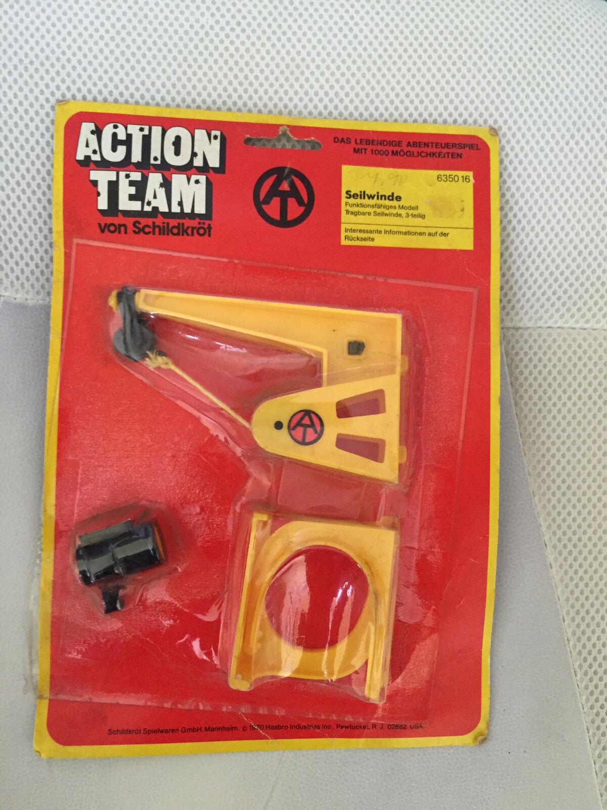 1970 MOC VINTAGE GI JOE ACTION TEAM MAN CABLE WINCH HASBRO PUNCHED