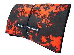 Tabakbeutel-Tabaktasche-mit-Totenkopfen-amp-Sternen-schwarz-rot-Trash-Monstarz