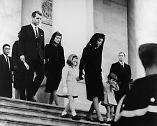 JFK FAMILY LEAVES CAPITOL AFTER PRESIDENT KENNEDY FUNERAL 8X10 PHOTO 11/25/1963