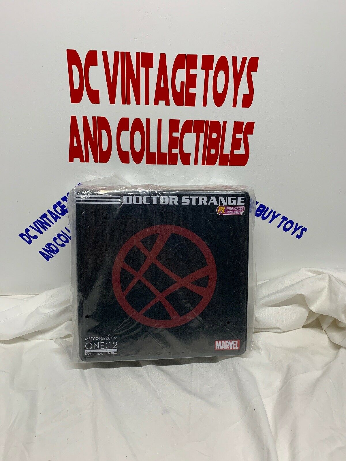 Mezco One 12 Collective Marvel PX Exclusive DOCTOR STRANGE Figure, Dented Box