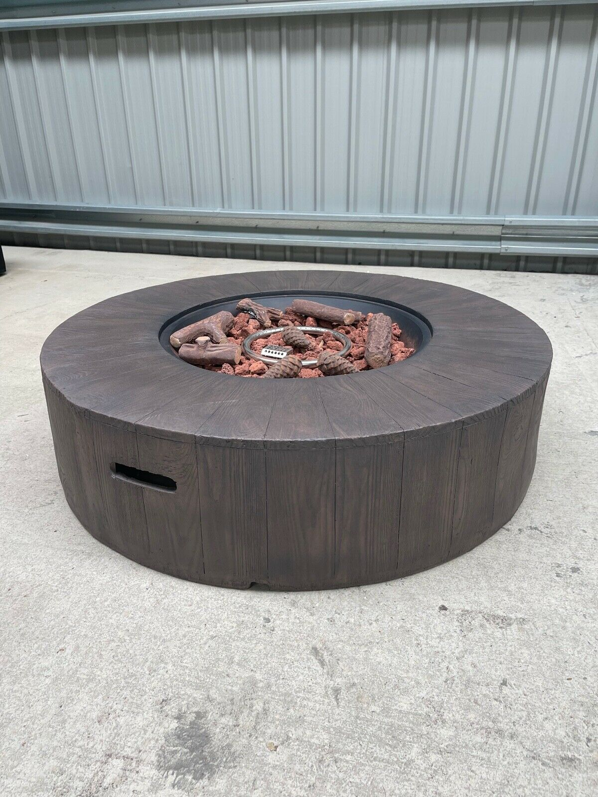 Gambara Round Gas Fire Pit Table With Lava Rocks & Ceramic Logs