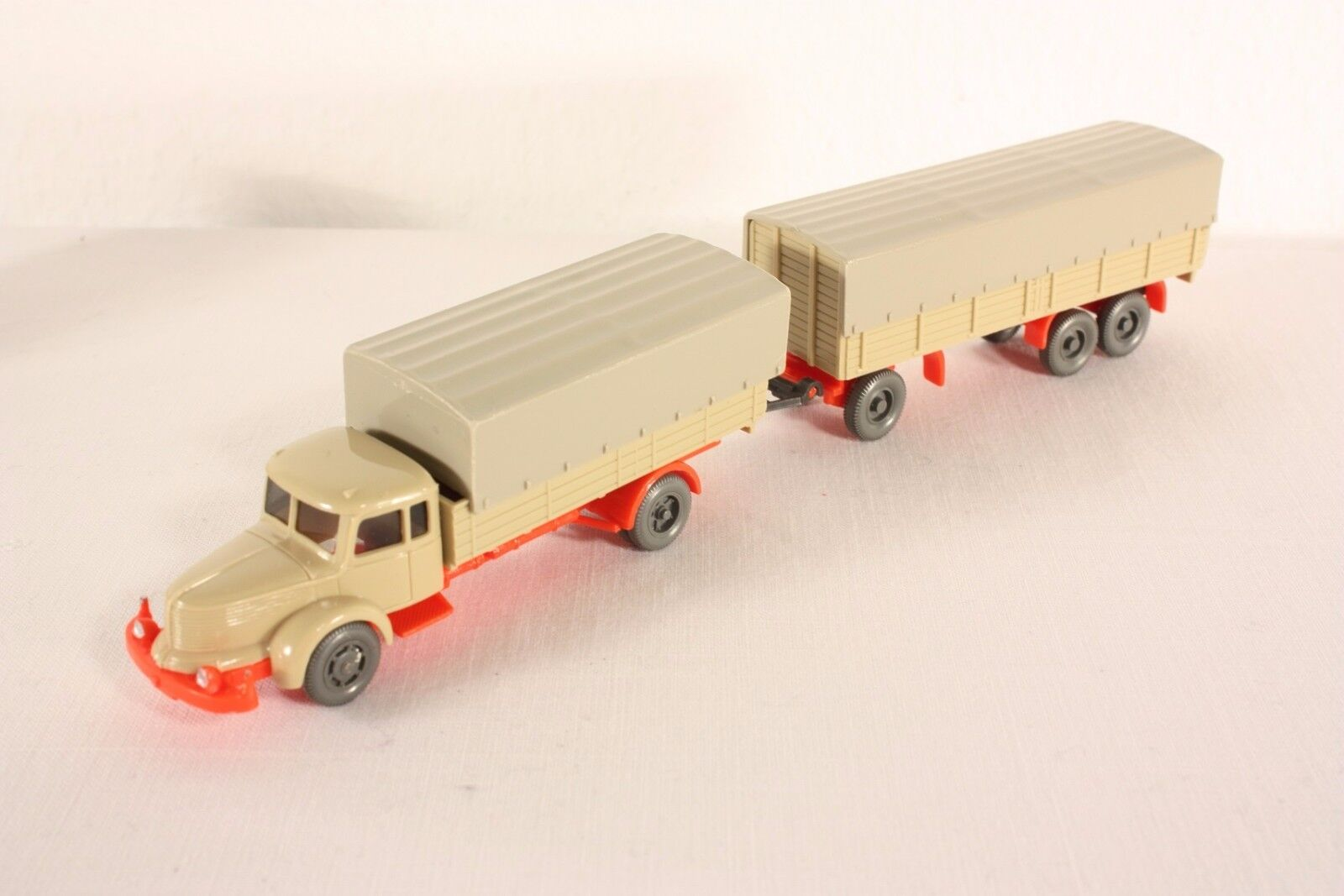 Wiking 480 and 481 Truck Krupp Titan, chassis Fluorescent orange, 1 87, Top  ab889