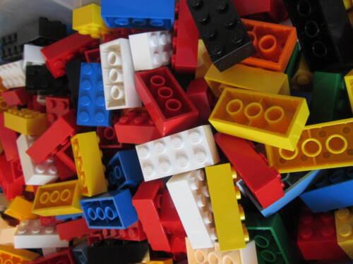 -100 total Lego ONE HUNDRED Standard Bricks Sizes 30 x 4x2 40 x 2x2 30 x 3x2
