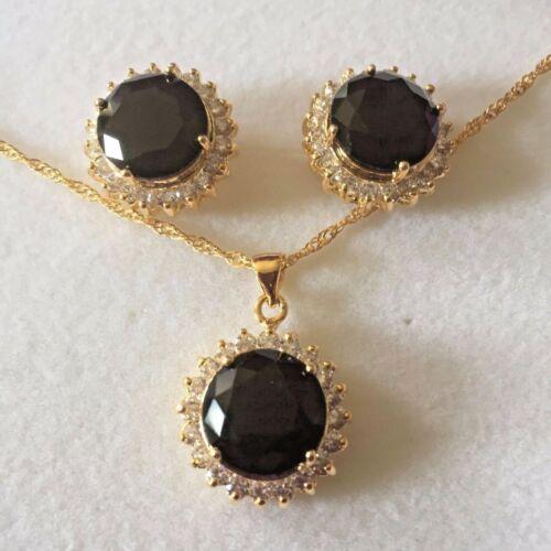 Conjunto ronda Negro Onyx Sim Diamante Pendientes a Juego De Oro Collar y ciruela Reino Unido En Caja